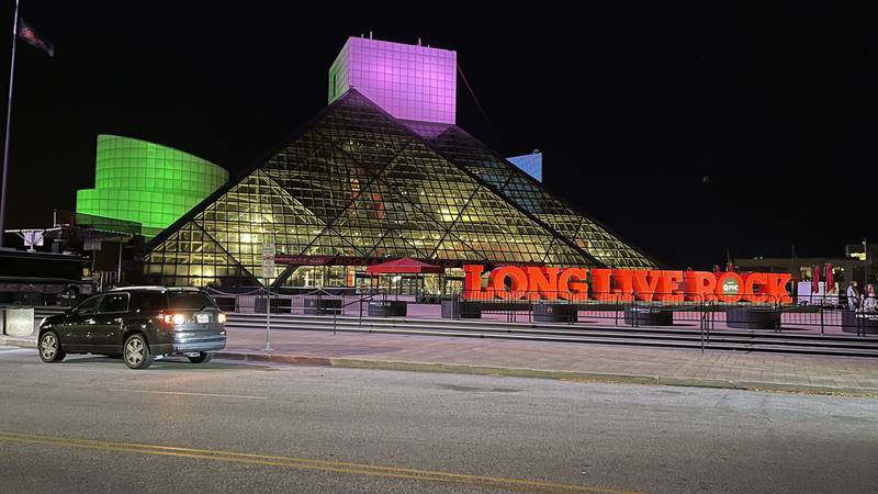 Fight against metastatic breast cancer showcased by Terminal Tower, Rock and Roll Hall of Fame
