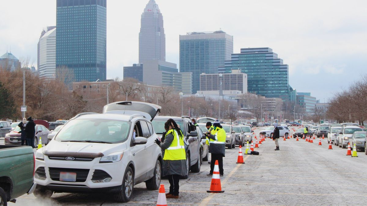 Greater Cleveland Food Bank to host drive-thru distribution in Muni Lot Thursday